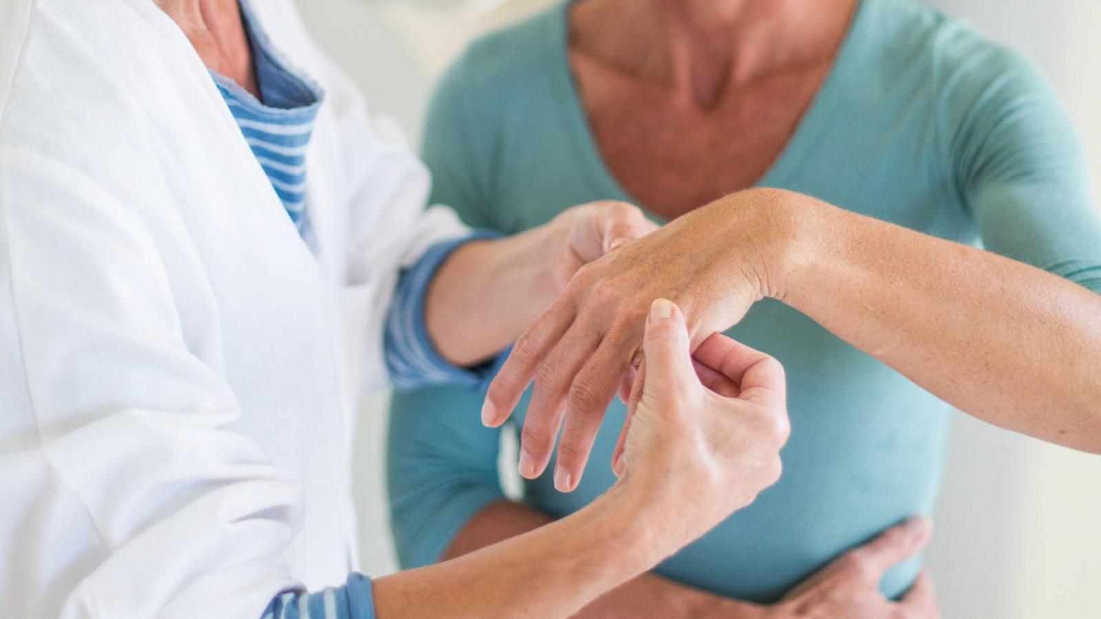 az ízületek nagyon beteg lettek a térd artrózisa nincs folyadék