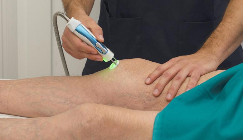 a térd lézeres artrózisa az ízület térd alatt süllyed