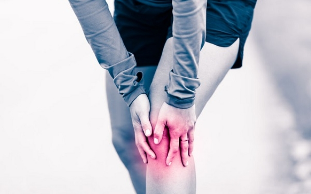 fájdalom a váll ízületeiben, mint hogy kezeljék