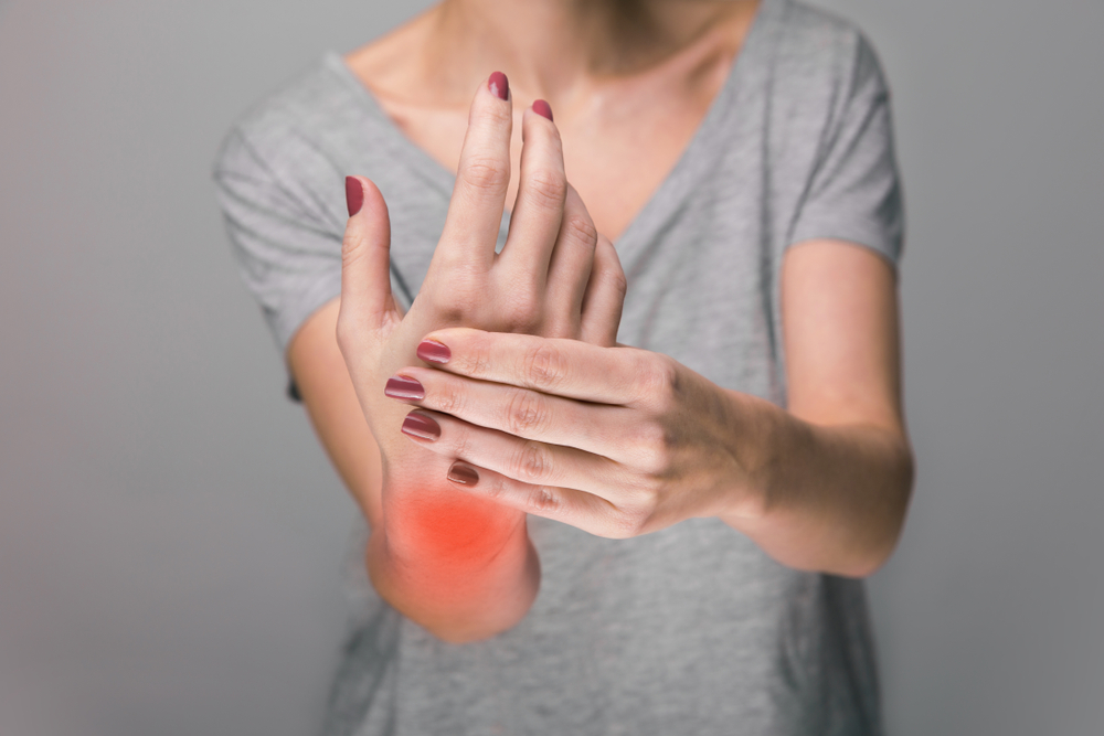 a kezek ízületei nagyon fájdalmasak