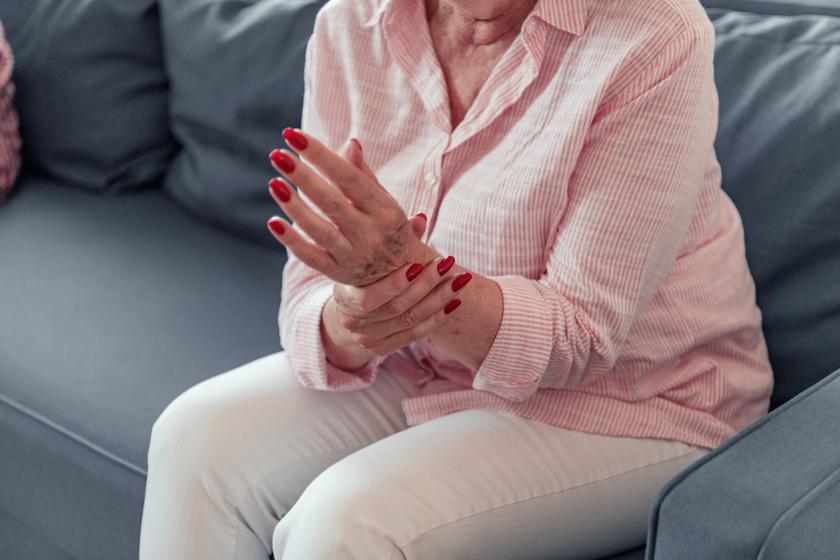 fájdalom a bokaízületben osteoarthrosis esetén ízületi fájdalom méz és
