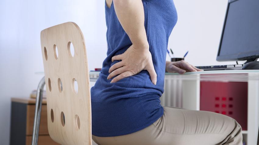 derékfájás, amely kiterjed a csípőízületekre