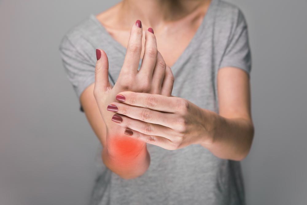 A kéz ízületei nagyon fájdalmasak