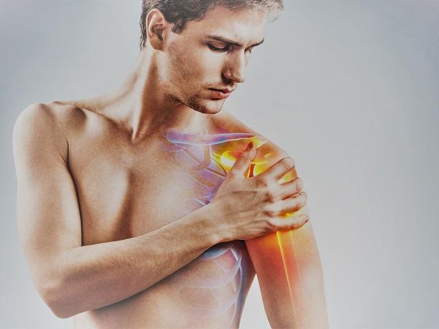 fájdalom a vállízület mellkasának területén