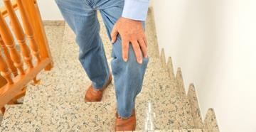 a térd kezelési rendjének deformáló artrózisa törzs ízületi fájdalma