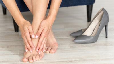 izomízületek fáj a lábak