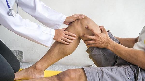 miért fáj a térdem ha behajlítom tapintás boka fájdalom