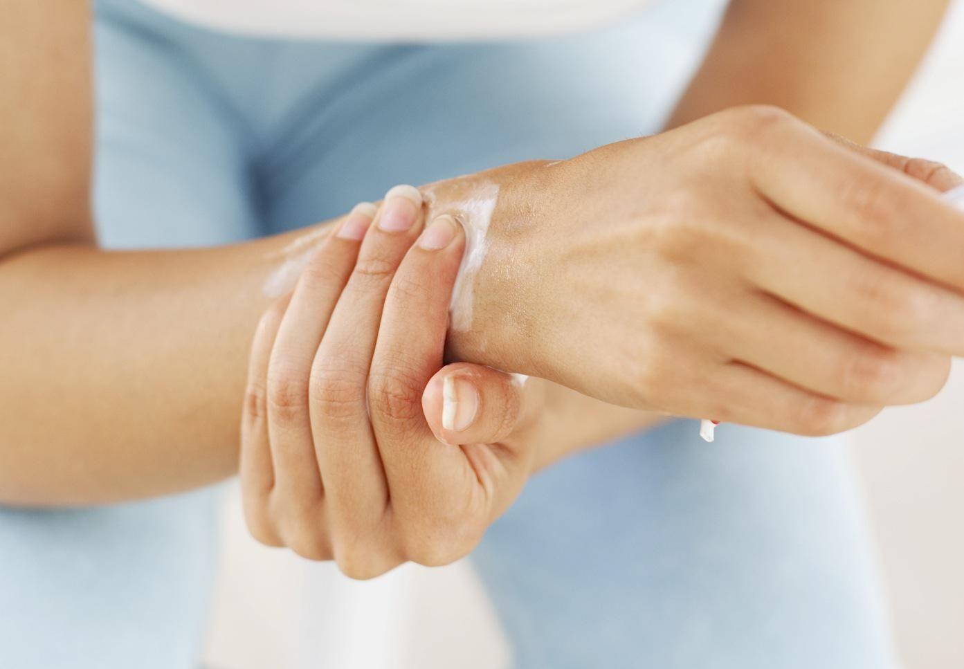 csukló fájdalom és kezelés