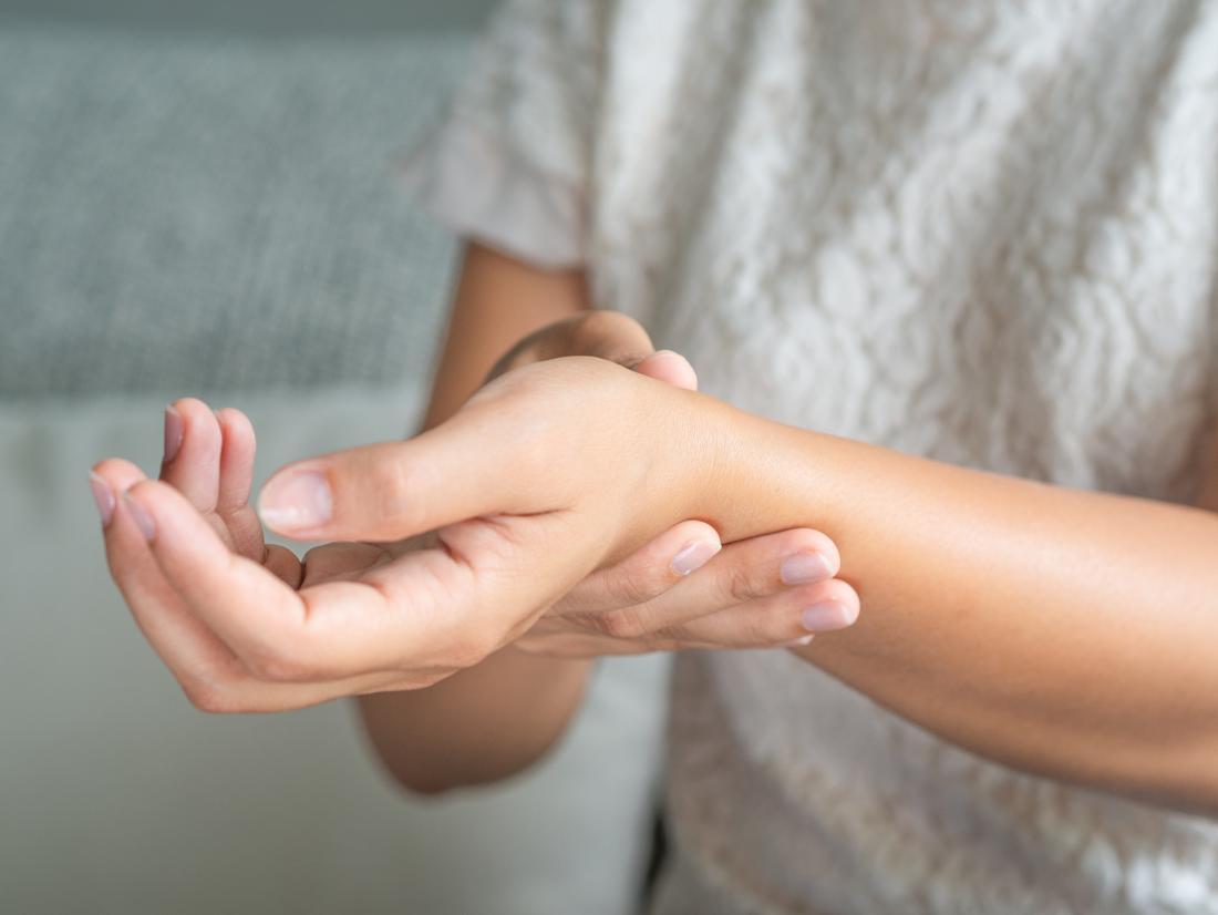 a kezek ízületeinek duzzanata