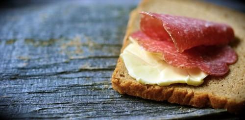 tiltott ételek ízületi betegségek esetén a térdízület ligamentumszakadásának kezelése
