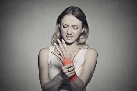 a térdfájdalom blokádja fájdalom a váll ízületeiben, mint hogy kezeljék