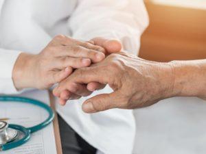 Térdartroszkópia ízületi betegségben: a bizonyítékok és a gyakorlat nem fedik egymást